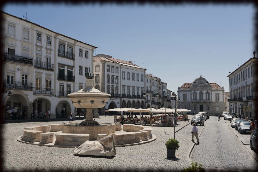 praça do giraldo portugal