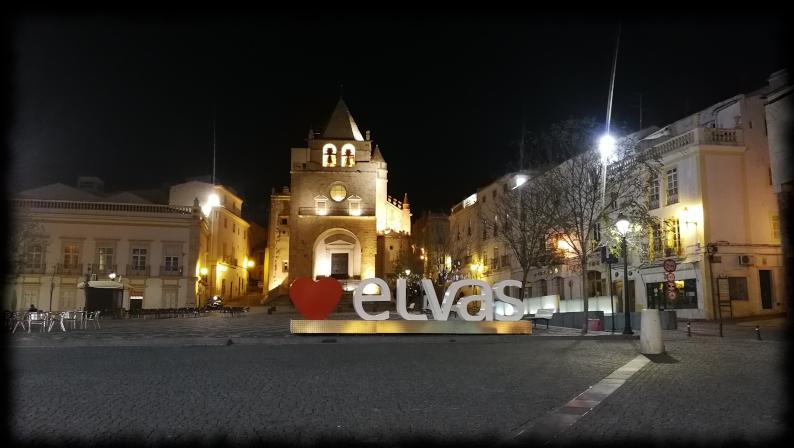plaza de la republica en elvas