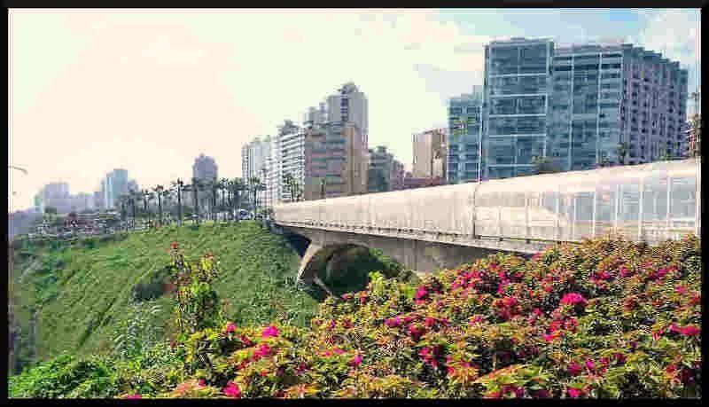 barrio de mireflores en lima perú