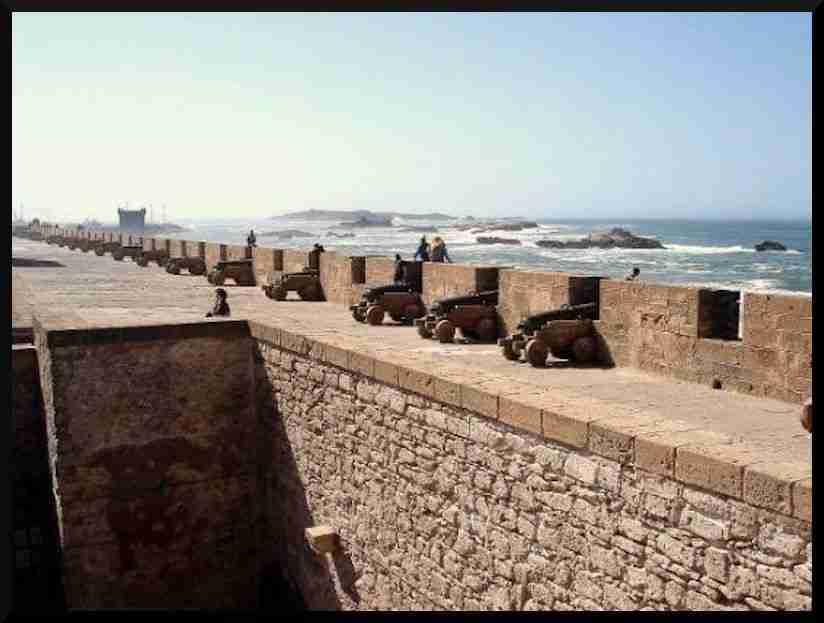 las murallas de essaouira en marruecos