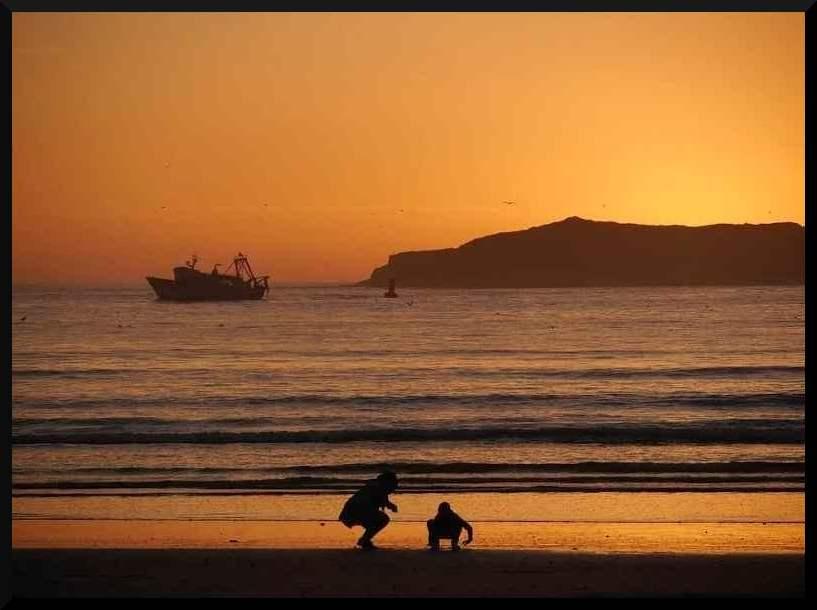 impresionante puesta de sol en essaouira marruecos