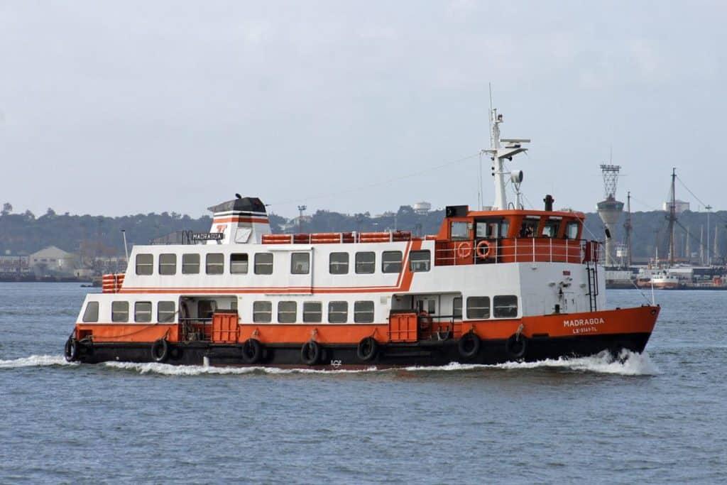 Viaje en ferry a Lisboa