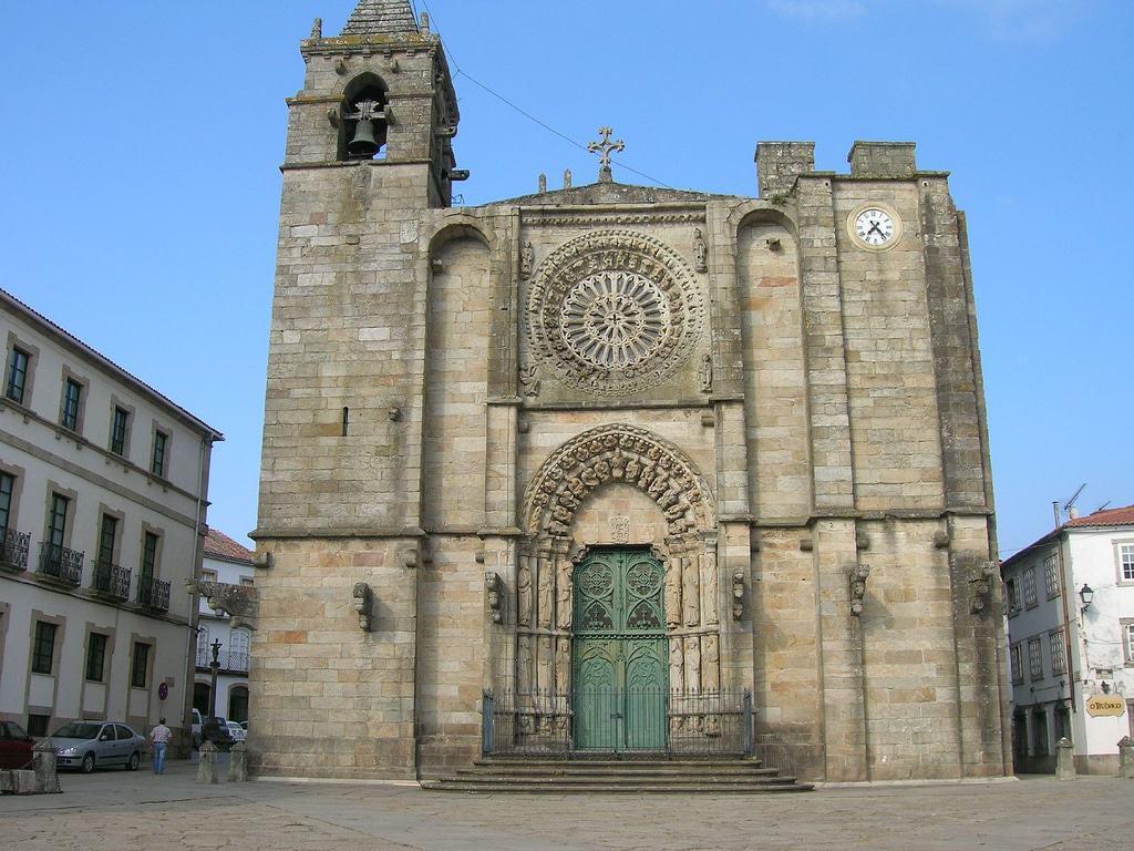 Iglesia de San Martiño, Noia