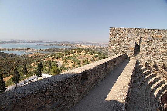 Castillo y murallas de Monsaraz