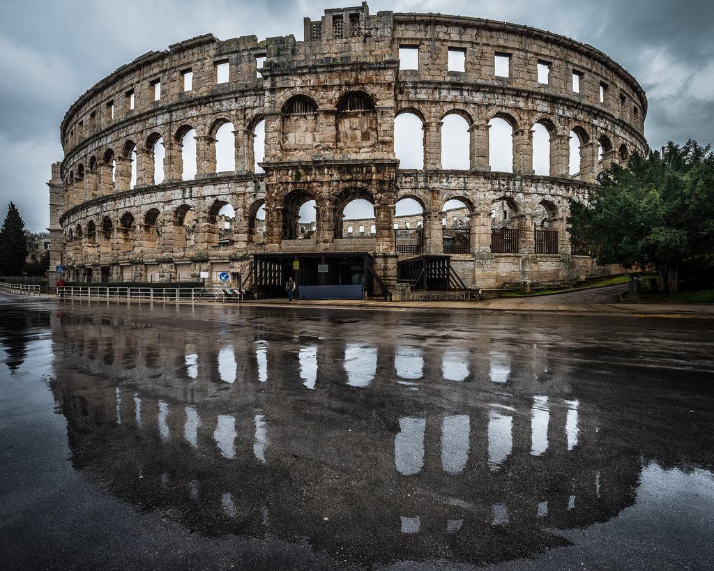 Arena romana de Pula