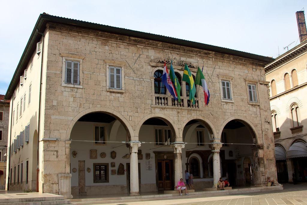 Palacio Comunal de Pula